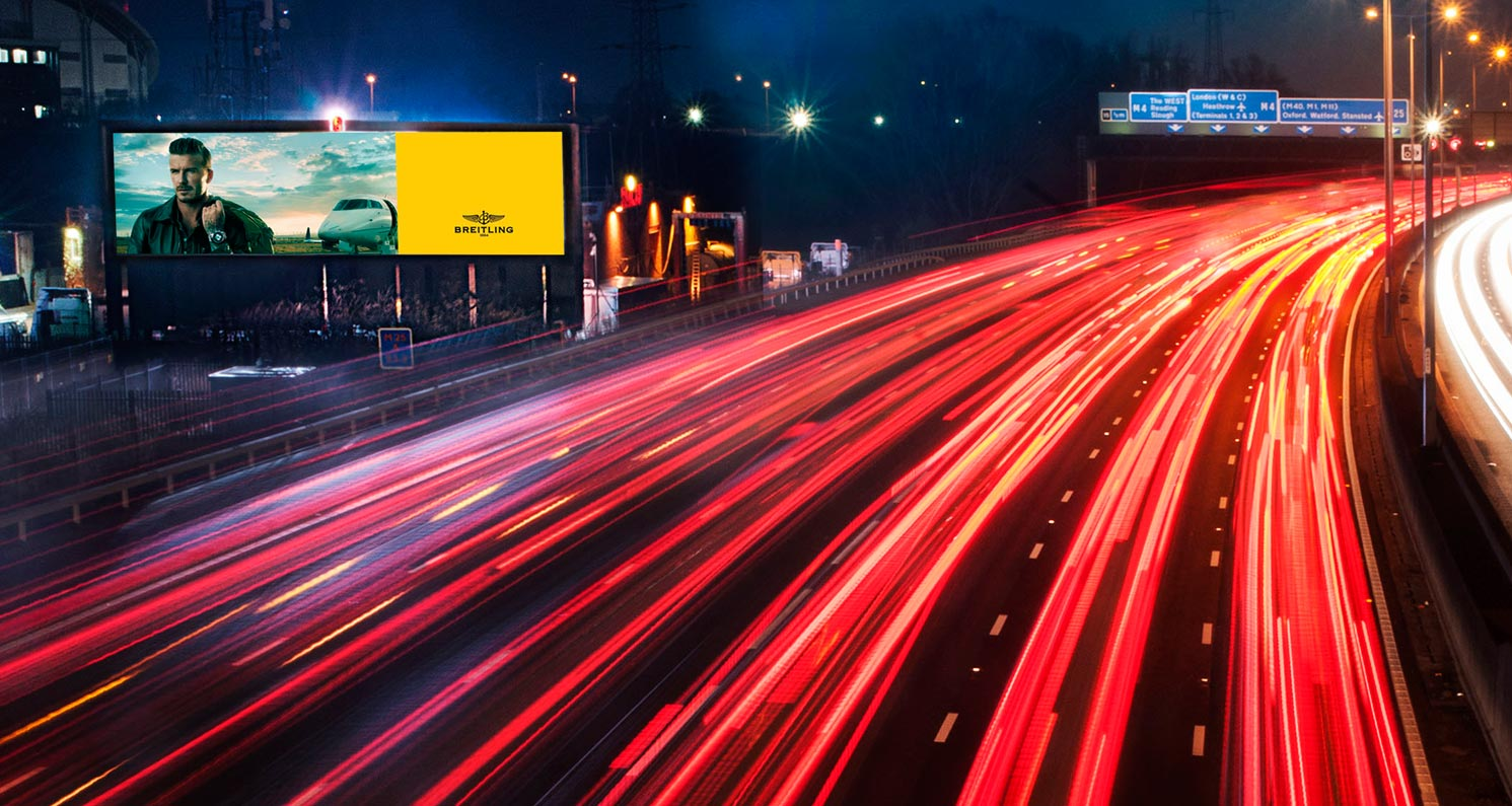 SIS Digital creates UK's largest roadside digital sign